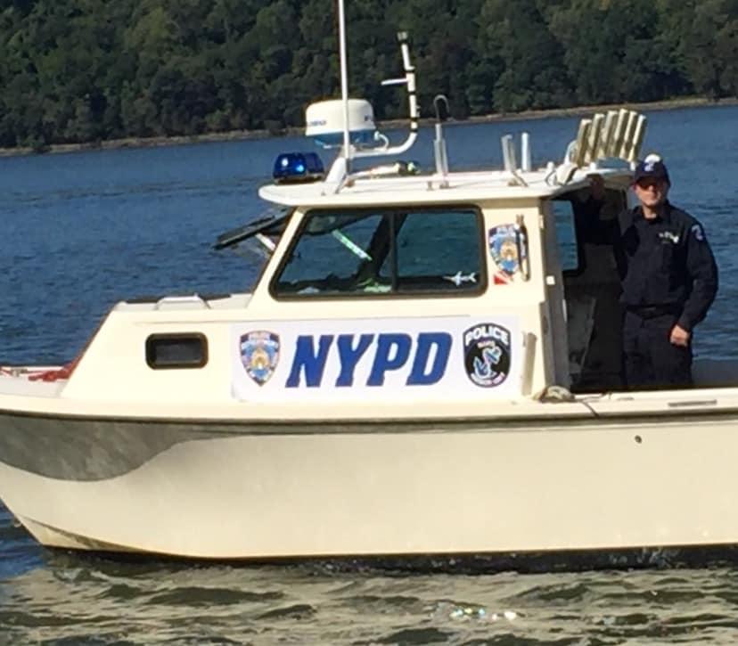 25 ft Parker Police Boat - StuntDept
