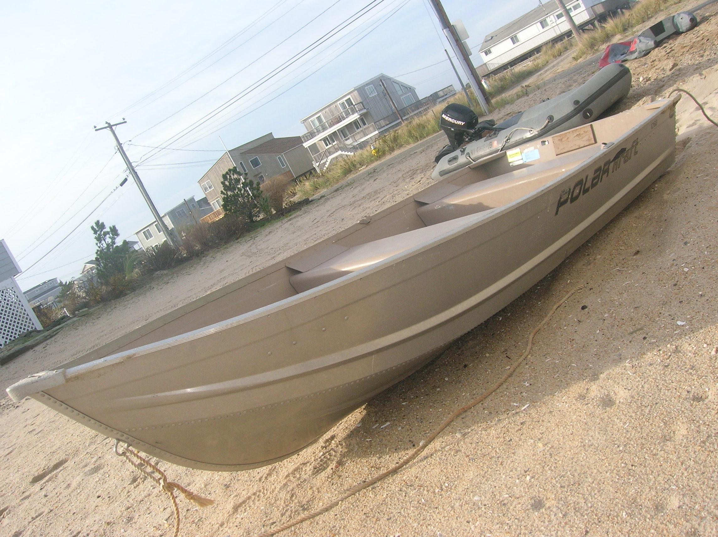 12.5 Aluminum Row Boat